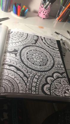 cute drawings of animals Mandala Doodle, Mandala Art Lesson, Mandala Artwork, Mandala Painting, Mandala Drawing, Doodle Art Drawing, Pencil Art Drawings, Cool Art Drawings, Art Drawings Sketches