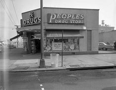Peoples Drug Store, Bladensburg Road.  Looks like it may be a bit before my time, but Peoples was the drug store of my youth
