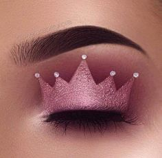 Princess crown eyeshadow