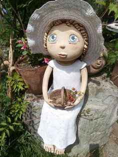 Panenka+na+přání+II+podle+instrukcí Ooak Dolls, Art Dolls, Socha, Pottery Sculpture, Art For Kids, Garden Sculpture, Arts And Crafts, Child, Christmas Ornaments