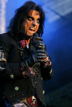 See Alice Cooper pictures, photo shoots, and listen online to the latest music. Alice Cooper, Detroit, Pop Punk, Music Love, Rock Music, Rock N Roll, Michigan, Marvin The Martian, Joe Perry