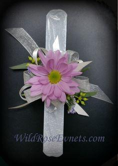 Simple inexpensive little girls wrist corsage.  lavender daisy on a silver slap bracelet.  #WildRoseEvents #weddingflowers #corsage