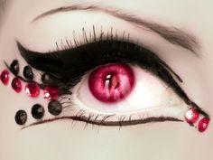 Vampire Line Eye Design | 芸術的!アイメイク画像集