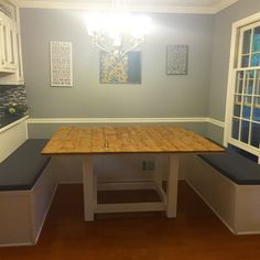 This easy and inexpensive DIY dining booth is a great way to transform your boring dining room into a spacious and comfy area to entertain your guests. Booth Seating In Kitchen, Dining Booth, Diy Dining Table, Dining Room Bench, Dining Area, Booth Table, Table 19, Bed Table, Diy Kitchen