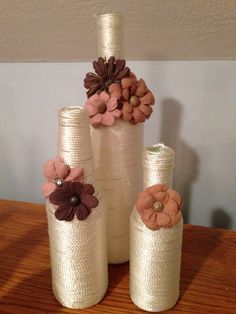 Hunting for beer container crafts?, this round up has you covered from Home-built spectacles to really really posh cheese trays. Glass Bottle Crafts, Wine Bottle Art, Painted Wine Bottles, Diy Bottle, Bottle Centerpieces, Vases, Wrapped Wine Bottles, Deco Nature, Altered Bottles