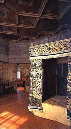 Mary Queen of Scots bedroom, Holyrood Palace   I wonder if Rizzio's ghost haunts this room, after his horrible murder by the Scottish lords.  Poor Mary!  She never had counsellors she could trust, like her counterpart Elizabeth did.  I have always believed Mary was born in the wrong century.
