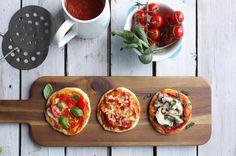 We hebben de 6-persoons Pizzarette Stone getest en maakten daarbij ook een aantal heerlijke recepten voor de Pizzarette. Avocado Pizza, Veggie Pizza, Pizza Pizza, Red Onion Pizza, Chocolate Pasta, Gorgonzola Pizza, Creative Pizza, Four Cheese Pizza, Deep Dish Pizza Recipe