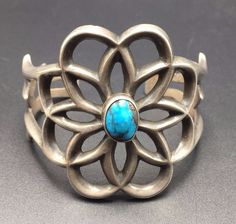 Heavy Vintage NAVAJO Sand Cast Sterling Silver & TURQUOISE Cuff BRACELET 67g