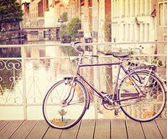 bike... how cute is that ..