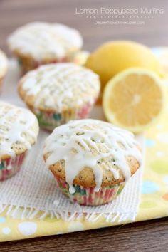 Lemon Poppyseed Muffins | DessertNowDinnerLater.com #lemon #poppyseed #muffins
