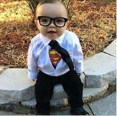 Babies in Halloween costumes - what fun! Have a ball scrolling through these pictures for laughs or inspiration this Halloween season. Homemade Baby Costumes, Cute Baby Halloween Costumes, Baby Costumes For Boys, Baby First Halloween, Hallowen Costume, Halloween Costume Contest, Halloween Photos, Boy Costumes, Super Hero Costumes