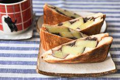 熊本県のお菓子として有名ないきなりだんご。 それをサンドしてみました。さつまいも、粒あん、塩、バターorマーガリンで簡単に完成します。