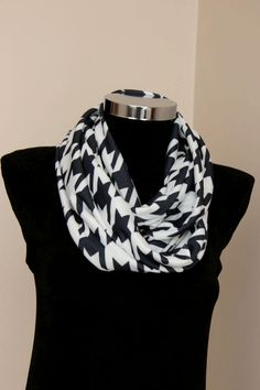 Infinity scarf Spring & summer fashion scarf black and by DroppBy #infinityscarf #circle scarf #flexblefabric #geometricfabric