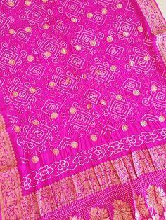 Bandhani Saree, Blanket, Crochet, Crochet Crop Top, Rug, Blankets, Chrochet, Knitting, Haken
