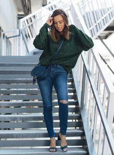 Sydne Style wears h&m glittery sweater for fall outfit ideas #green #denim #casualstyle