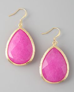 Neon teardrop earrings. An easy way to incorporate the neon trend into your wardrobe!