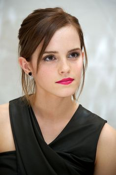 The Beauty Evolution of Emma Watson, from Bare-Faced Hermione to Red-Carpet Queen | TeenVogue.com