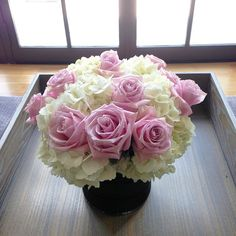 For you all, my lovely flower arrangement. Happy weekend!