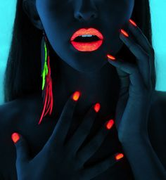 OOO blacklight photography and makeup I shall recreate