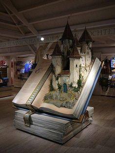 Popup Castle Book