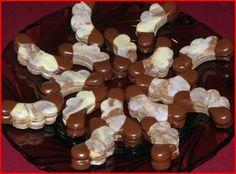 Vánoční cukroví :: Jiříkova kuchařka Small Desserts, Cookie Desserts, Christmas Candy, Christmas Baking, Gingerbread Cookies, Christmas Cookies, Czech Recipes, Nutella, Baking Recipes
