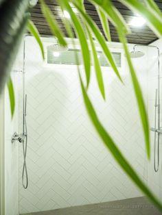 kylpyhuone, kalanruotolaatta, herringbone tile, laatoitus