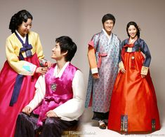 Hanbok, Korean traditional clothes. It's so beautiful!