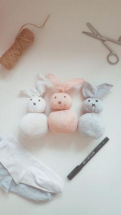 Manualidad Conejos de pascua faciles