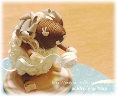 http://ameblo.jp/pakirarirurero/  羊くんの毛糸まき