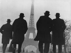 Eiffel Tower Paris ca.1930 Photo: Else Thalemann