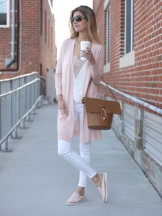 spring outfit: blush pink long cardigan with white cami and white skinny jeans.