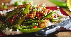 Arrêtez de vous compliquer la vie et cuisinez plutôt cette version allégée et simplifiée du poulet Général Tao du chef Antoine Sicotte. 35 minutes vous suffiront pour préparer et cuire ce savoureux repas pour 4 personnes! Poulet General Tao, Mets, Seaweed Salad, Kung Pao Chicken, Asparagus, Green Beans, Dinner Recipes, Chinese, Vegetables