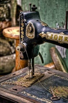 this vintage sewing machine reminds me of my grandmother's
