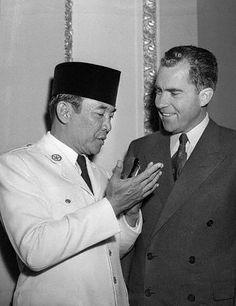 Sukarno & Richard Nixon