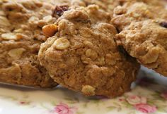 I think we have lots of cookie recipes, but here is just one more which I really like. Would you believe that I belong to a knitting group? I am not a crafty person at all, but I must admit I enjoy Cookie Pizza, Cookie Bars, Cookie Dough, Amish Recipes, Baking Recipes, Cookie Recipes, Brownie Cookies, Oatmeal Cookies, Muffin Bread