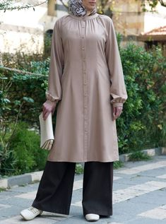 Best 12 Modal Zumurruda Tunic – Sale Corner – Women – Page 602075043915978996 Modest Fashion Hijab, Abaya Fashion, Fashion Moda, Muslim Fashion, Fashion Dresses, Modest Dresses, Simple Dresses, Casual Dresses, Formal Dresses