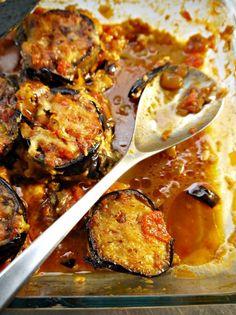 μελιτζάνες παρμεζάνα Vegetarian Recipes, Cooking Recipes, Appetisers, Fish Dishes, Greek Recipes, Different Recipes, Soul Food, Appetizer Recipes, Food To Make