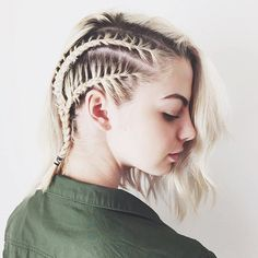 20 simple braids for short hair. Simple braids for medium length hair. Braid hairstyles for short curly hair. Different types of braids for short hair. Cool Braid Hairstyles, Lob Hairstyle, Gorgeous Hairstyles, Modern Hairstyles, Party Hairstyles, Hairstyle Ideas, Evening Hairstyles, Workout Hairstyles, Natural Hairstyles
