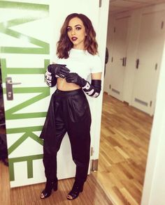 Little Mix Daily Jade Little Mix, Little Mix Jesy, Little Mix Girls, Little Mix Style, Meninas Do Little Mix, Jade Amelia Thirlwall, Black Leather Gloves, Long Gloves, Mixed Girls