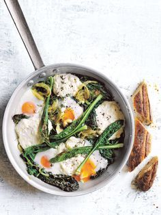 We love a versatile recipe, and these power-packed ricotta baked eggs are just that – make them for breakfast or simply whip them up for dinner when in need of a fresh and speedy option.