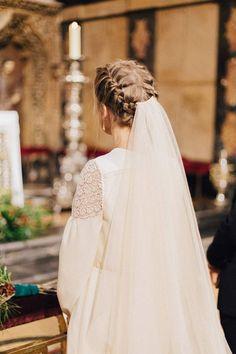 La boda de B&Paul ©Retrato de un Instante Hat Hairstyles, Wedding Hairstyles, Wedding Bells, Wedding Day, Modest Wedding Gowns, Man And Wife, Here Comes The Bride, Bridal Style, Wedding Styles