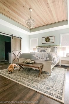Amazing Rustic Farmhouse Master Bedroom Ideas - If coming up with master bedroom decorating ideas can be fun, implementing them is where you may run into a few snags. The first thing that you need t. Farmhouse Master Bedroom, Master Bedroom Makeover, Wood Bedroom, Dream Bedroom, Bedroom Ideas, Bedroom Rustic, Bedroom Modern, Master Bedroom Design, Suites