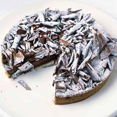 Try our tarte au chocolat recipe. This classic French chocolate tart (recette tarte au chocolat ) uses dark chocolate and Nutella, easy Christmas dessert recipes. French Chocolate, Chocolate Tarts, Chocolate Heaven, Chocolate Meringue, Chocolate Cake, Chocolat Recipe, Christmas Desserts Easy, Sweet Pastries, Sweet Tarts
