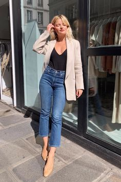 Spring Outfits With Jeans - Street Style - Shoes Outfit Jeans, Cropped Jeans Outfit, Jeans Outfit Summer, Jean Outfits, Casual Outfits, Cute Outfits, Casual Jeans, Girl Outfits, Look Fashion
