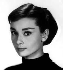 It is a known fact that Audrey Hepburn is one of the most iconic actresses to ever exist. Here is a selection of some of Audrey Hepburn's Greatest Movies. Audrey Hepburn Drawing, Audrey Hepburn Pixie, Sabrina Audrey Hepburn, Audrey Hepburn Wallpaper, Audrey Hepburn Makeup, Audrey Hepburn Costume, Audrey Hepburn Roman Holiday, Audrey Hepburn Quotes, Grace Kelly