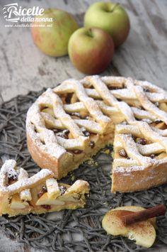 ricetta crostata di mele Apple Recipes, Wine Recipes, My Recipes, Sweet Recipes, Dessert Recipes, Italian Desserts, Italian Recipes, Biscotti, Homemade Biscuits From Scratch