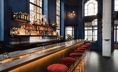 Do have you ever imagined yourself enjoying cocktails with an amazing view of New York City? Let's discover and explore the list of New York rooftop bars