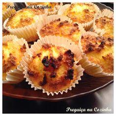 Coquinhos Portuguese Desserts, Portuguese Recipes, Sweet Recipes, Cake Recipes, Dessert Recipes, Food Cakes, Stella Recipe, Kitchen Recipes, Cooking Recipes