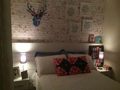 Quarto lindo e aconchegante. Adoro parede de tijolo aparente!