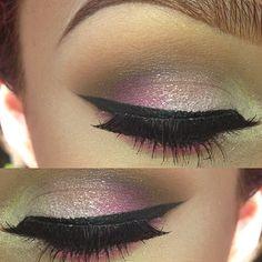 Pink Shimmering Eyeshadow.
